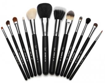 Фото Набор кистей для макияжа Sigma Beauty Essential Kit